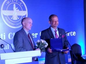 Feroze Bhandara receiving the award