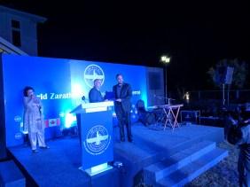 Zerick Dastur receiving the award