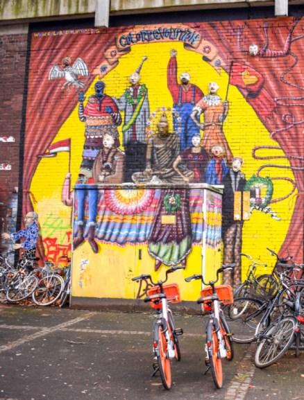 Cologne street art in Ehrenfeld station
