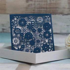 28_partecipazione laser blu quadrato decorazioni a fiori