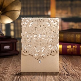 31_partecipazione-rettangolare-oro-con-diamante-interno-bianco