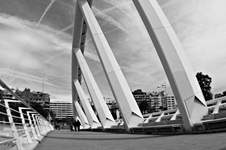 Ponte di Calatrava presso la Metro di Alameda, nei Giardini del Turia, Valencia