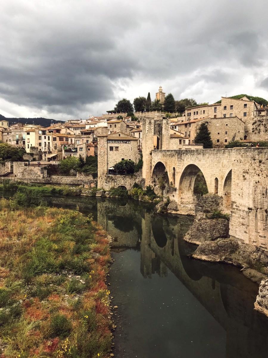 Ponte romanico di Besalù - Borgo medievale della Catalogna