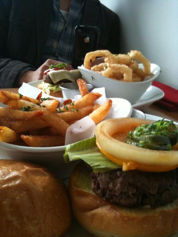 @human3rror and i are at Flip burger!!!!! Yum!