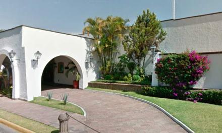 Asesinan a mujer frente a Casa Jalisco