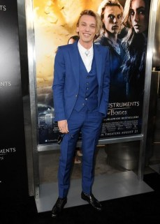 I saw Jamie this night and he is much taller than I expected. This blue looks great on blondes.