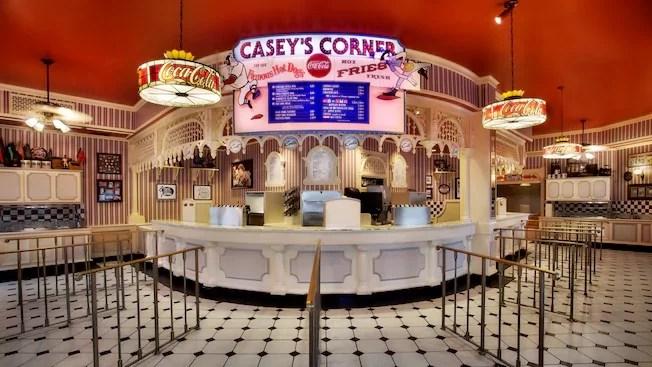 Caseys Corner - Melhor Hot Dog da Disney