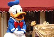 Nosso guia lista 8 maneiras de como encontrar Pato Donald na Disney