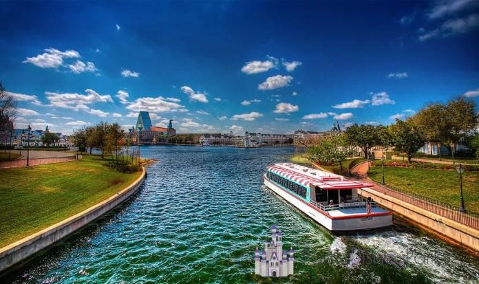 International_Gateway_Boat