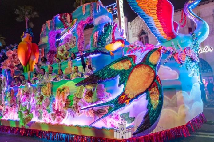 环球奥兰多斯狂欢节游行2020