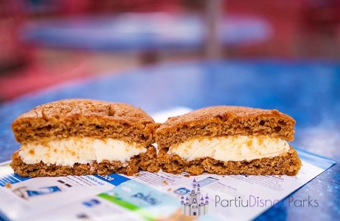 carrot-cake-cookie-snack