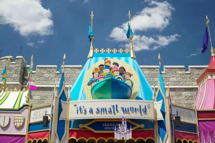 its-a-small-world-atracao-magic-kingdom-entrada