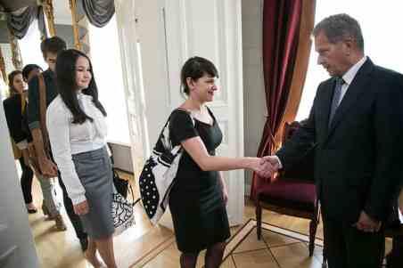programa para jornalistas na finlandia fcp presidente da finlandia sauli niinistoo e bruna amaral partiu intercambio