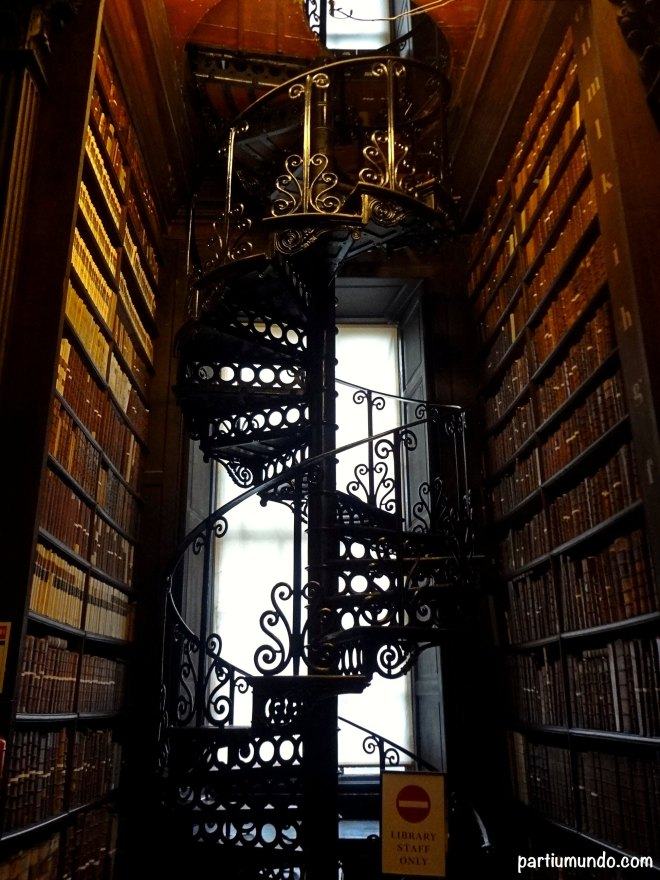 long room - trinity college 10
