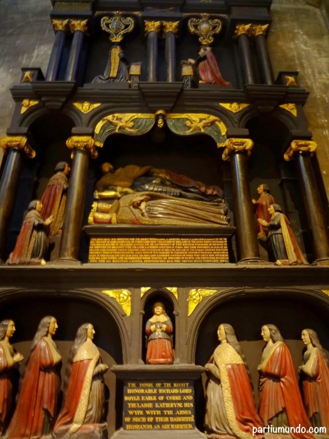 O monumento à Boyle foi mandado erigir em 1632 por Richard Boyle, Conde de Cork, em memória de sua segunda mulher, Lady Katherine.