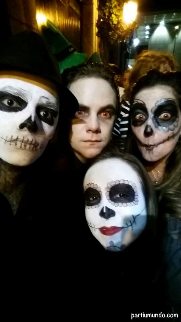 pub crawl halloween 8