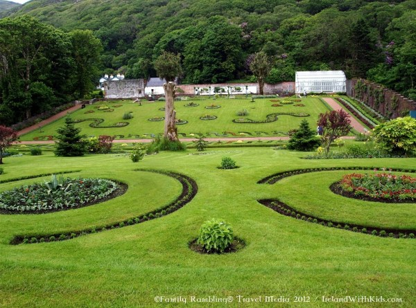 Victorian Walled Garden bu http://irelandfamilyvacations.com/kylemore-abbey-walled-garden/attractions/waw/