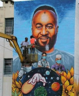 The work by an artist to show the Governor Joho of Mombasa. This was after the effort he was doing to help the people of Mombasa during the corona period. He was providing food and essentials to the people of Mombasa. Kenya, Mombasa (Photo Mohamed Mwinyi Mwalamba)