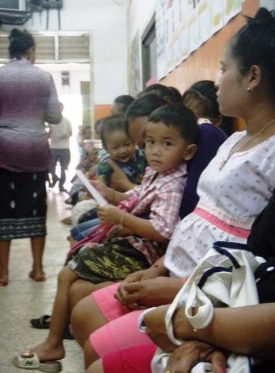 4.23 - Vientiane - MCH - waiting in line