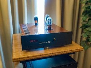 AXPONA-Vapor-Lampi-01280