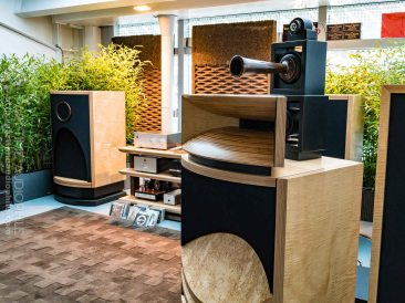 High-End-Living-Voice-01824