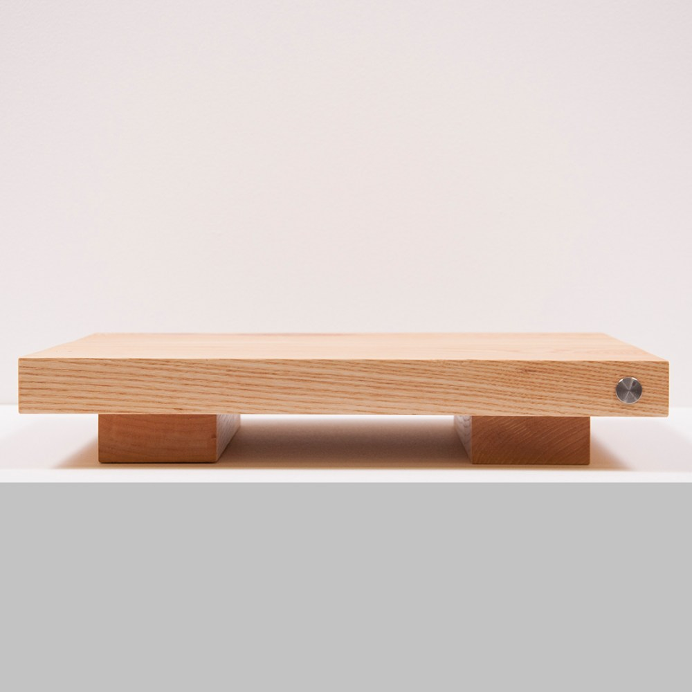 Ash Amp Stand_front-002