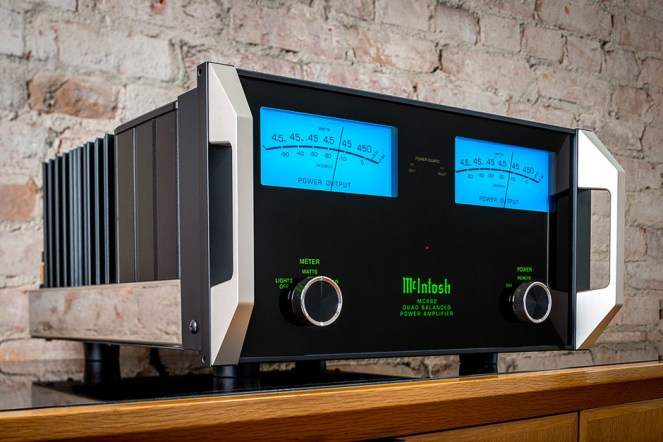 McIntosh-Labs-MC462 Lifestyle Hero