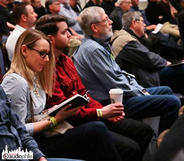 AXPONA-19-Friday-crowd4