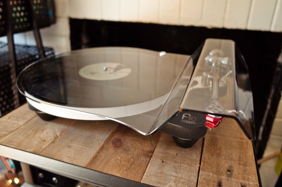 Dustcover on the Rega P10