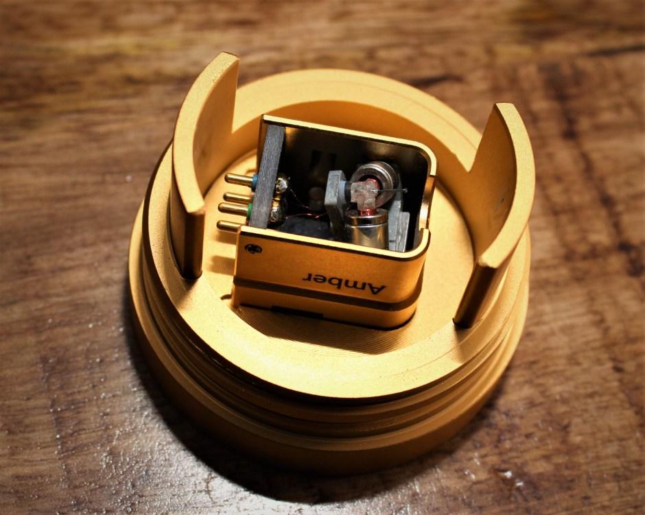 Allnic Audio Amber MC phono cartridge