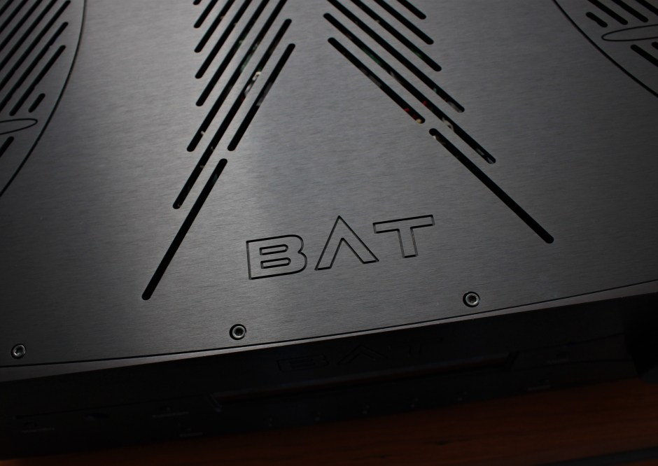 bat vk-3500 top plate logo
