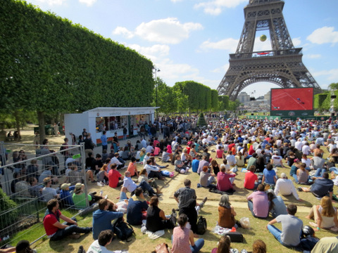 French Open fans at the Eiffel Tower