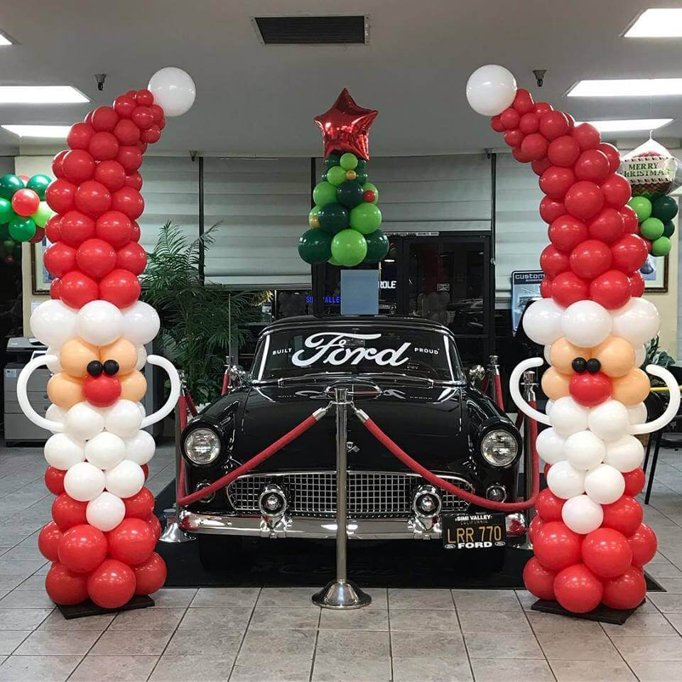 Santa Claus is coming to Simi Valley Ford