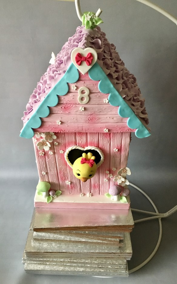 birdhouse cake hanging stand Samantha Σαμάνθα Cakes By Samantha τουρτα τουρτες κρεμα για τουρτες πουλι σπίτι gravity cake keik κεικ antt-gravity