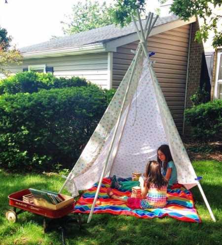 throw a backyard summer reading party party ideas