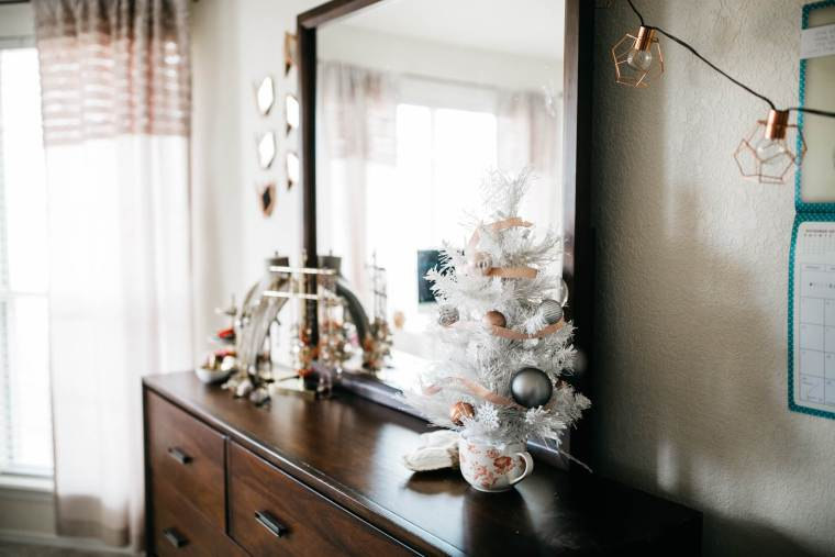 Sweet + Simple Christmas Decor via partyofsarah.com