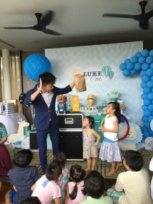 Children birthday party magic show