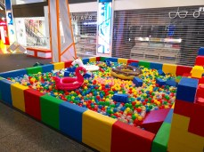 Colourful-Giant-Ball-Pit-Rental