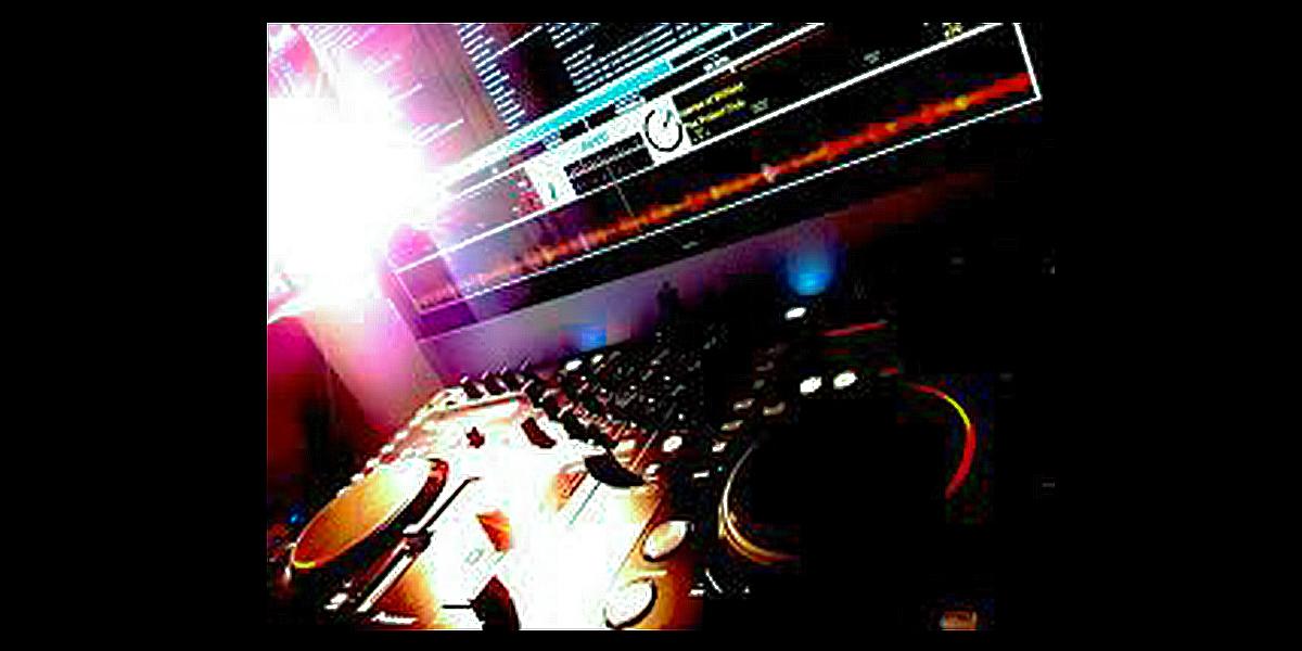 Aufgeklärt: DJ-Controller, und warum heutzutage jeder DJ spielen kann