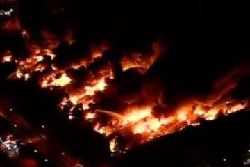 Krawalle in London. Feuer in SONY Lagerhaus vernichtet UK Lager von vielen Independent Labels