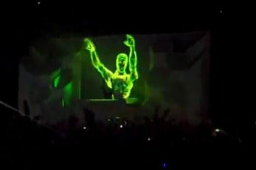 Controllerism: Erste live-animierte DJ-Performance von Skrillex. Puppentheater 2.0!
