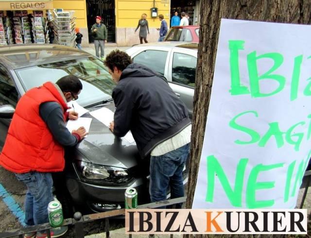 Ölplattform Protest Ibiza