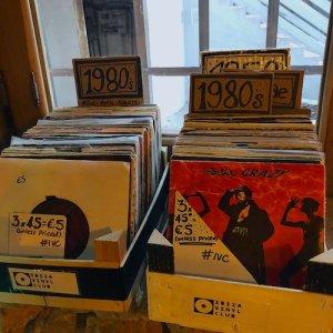 Platten aus allen Jahrzehnten beim Ibiza Vinyl Club
