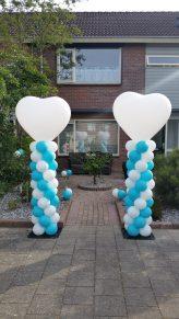 Blauw/wit met hart top hoge pilaar