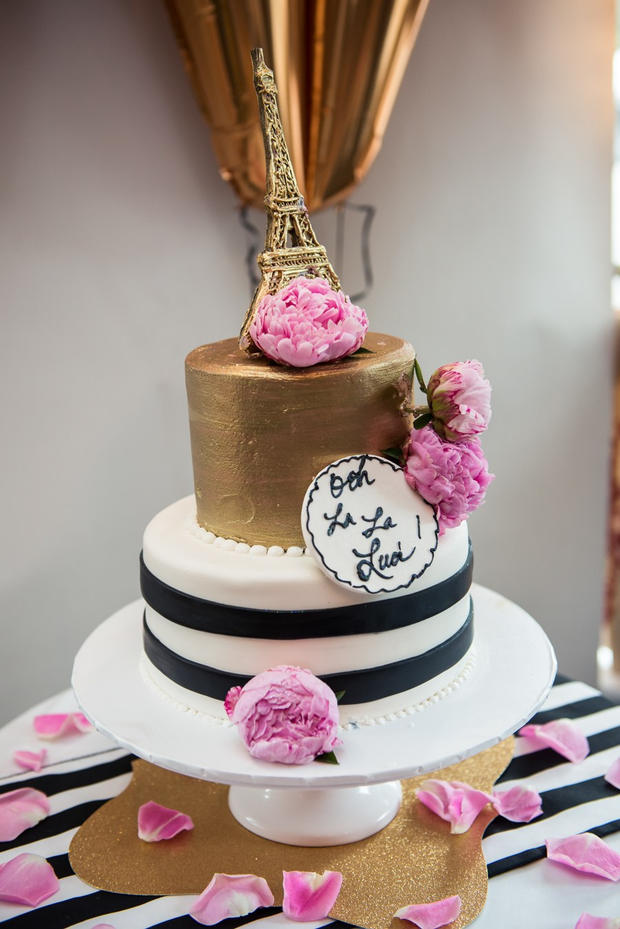 Paris themed bridal shower cake from Luci's Morsels blog