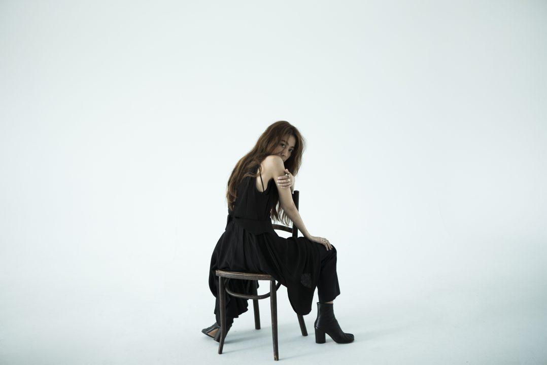 陳綺貞扮「迷人的反派」使壞、邪氣滿分 新歌〈傷害〉探討霸凌