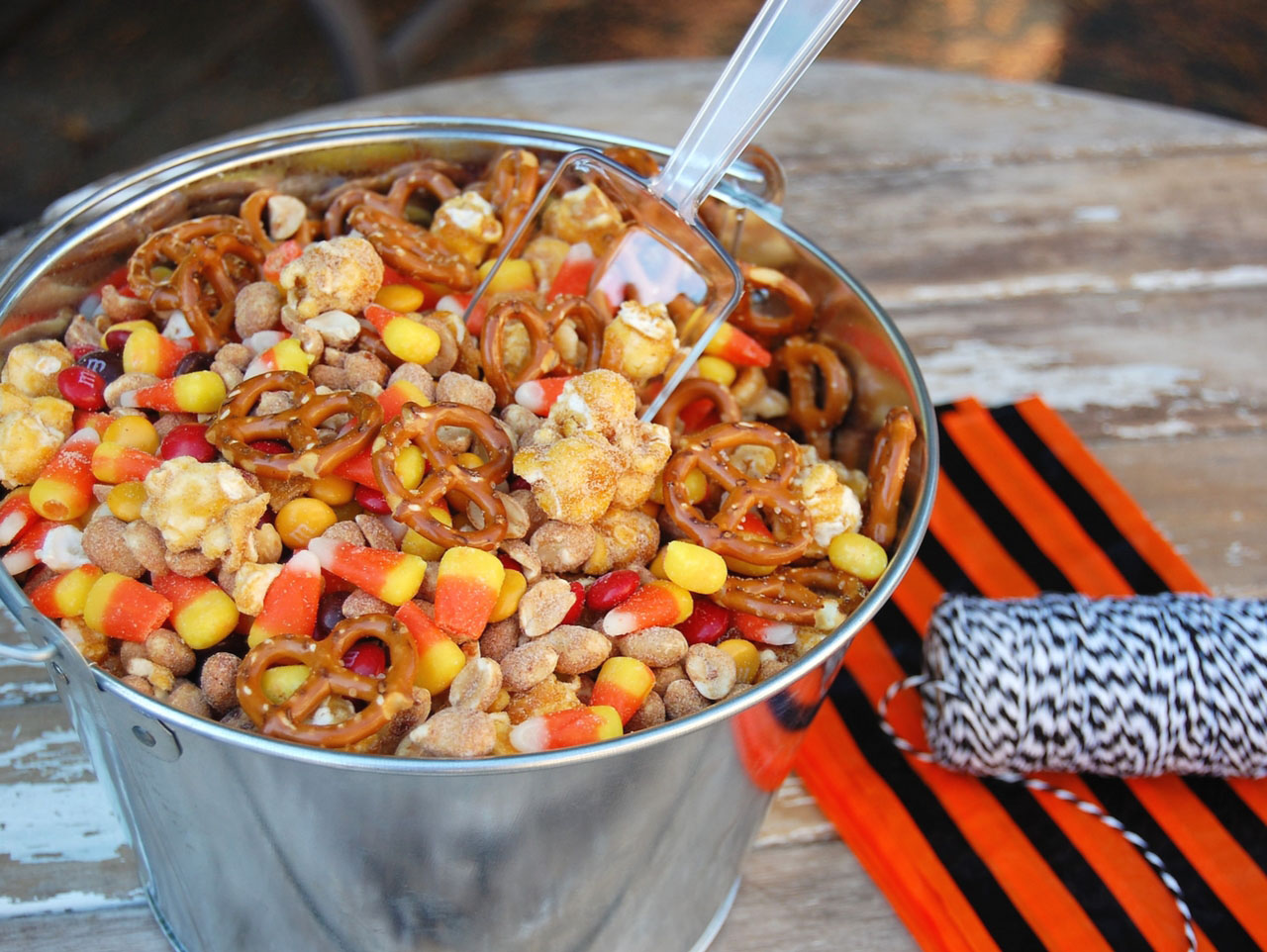 Halloween Harvest Trail mix step 5