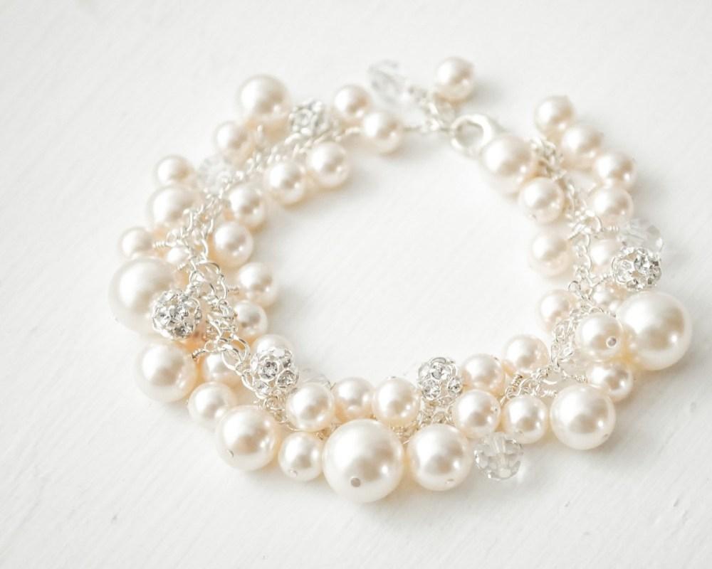 Alicia_Bridal Pearl Cluster Bracelet