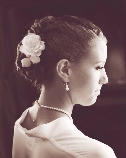 Sofia_Stylish Bridal Necklace with Pearls and Crystals