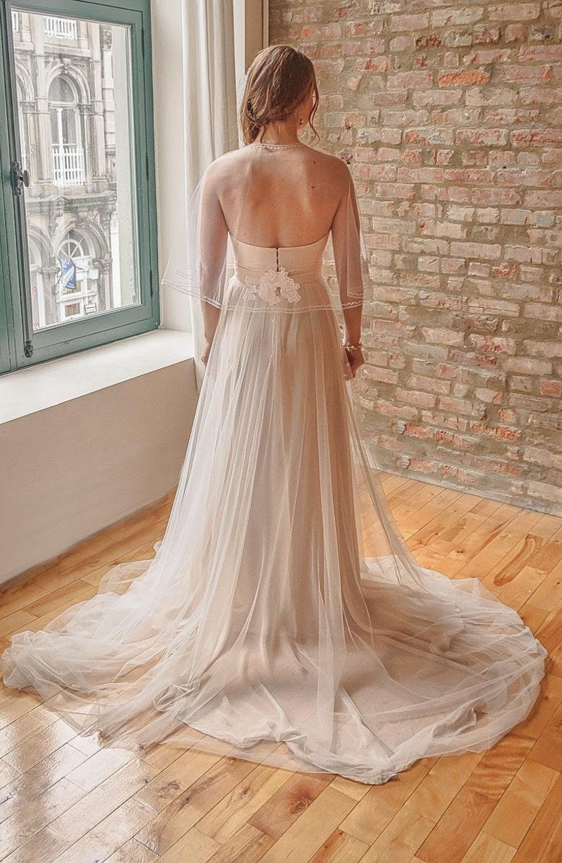 Anne_Stylish Bridal Capelet Bolero in Tulle with Lace Appliqués